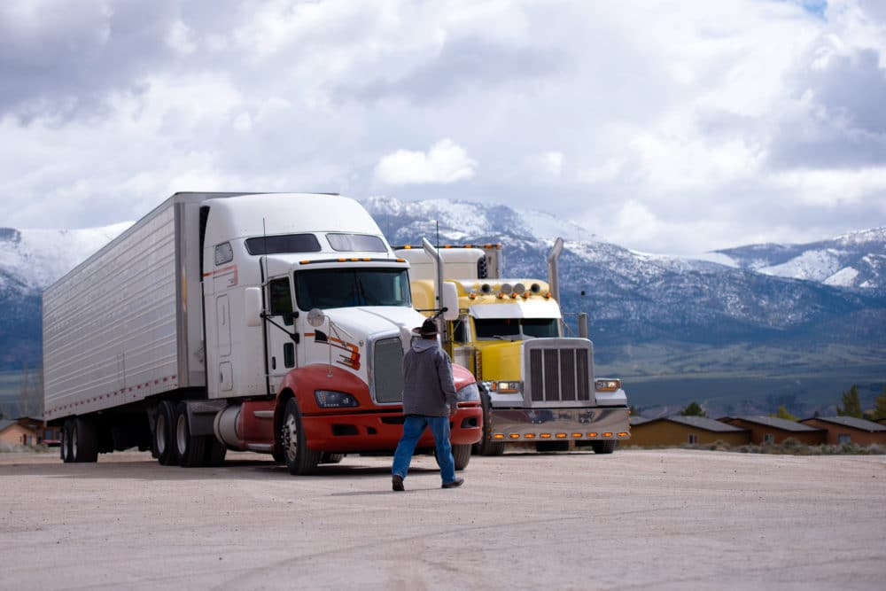 Planning to Become an OTR Trucker? Know These Packing Essentials